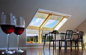 2 мансардных окна GGL S08 114x140см в комбинации с 2 карнизными окнами VFE 114х95см, шторы-плиссе FHL